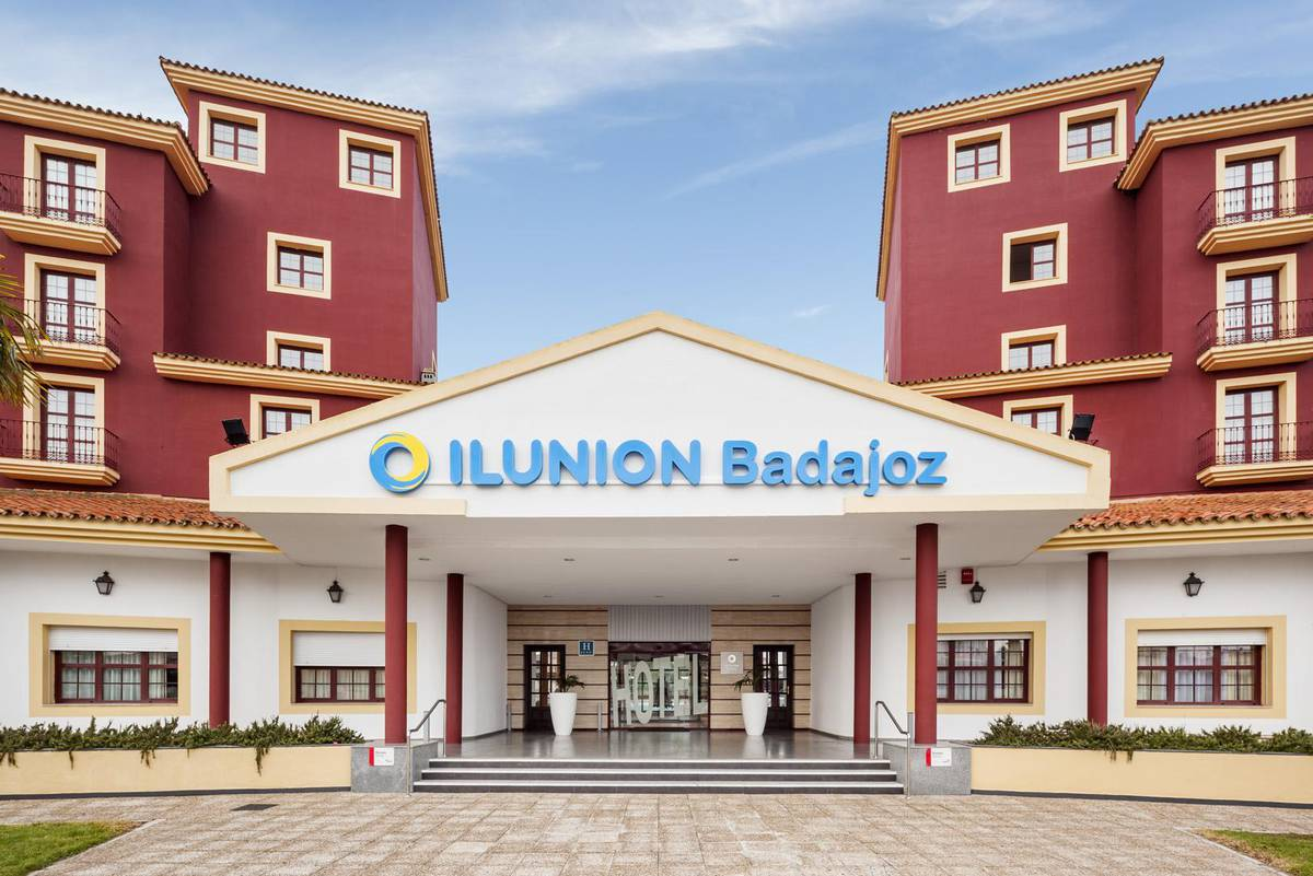 FACADE Ilunion GOLF BADAJOZ