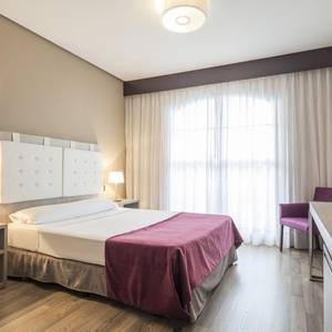 Disabled accessible room Hotel Ilunion Golf Badajoz Badajoz